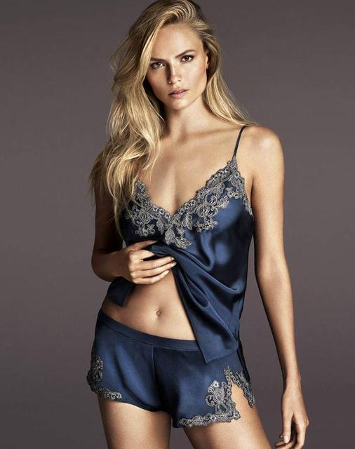 Pijamas Sexy Mujeres ropa de Dormir de Encaje Hembra verano estilo Profundo Escote en v Espaguetis Correa de Pantalones Cortos de seda Ropa de Dormir homewear