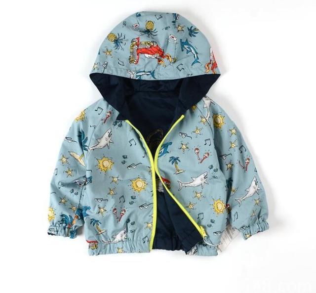 2016 Nuevo Bebé de ambos lados usan La Capa Muchachos de la chaqueta con capucha Niños de Dibujos Animados al por mayor cazadora