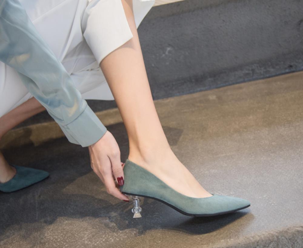 Весенне-летние новые модные туфли на высоком каблуке с острым носком и котом во французском стиле