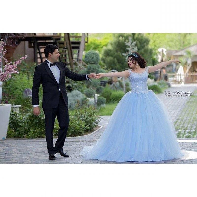 Голубые туфли и свадебное платье