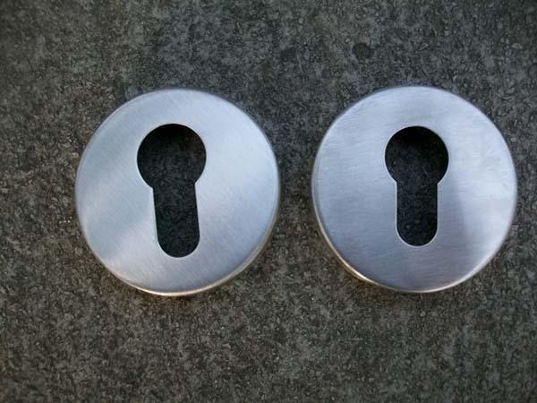 Aço inoxidável 304 maçaneta de porta acessórios escudo chave buraco buraco par KF201