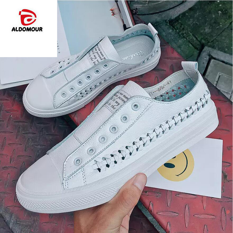 ALDOMOUR Skateboard Shoes Men Slip-on Sneakers for Male with Low Upper Flat Shoes High Quality Men's Sport Shoes Bambas Mujer