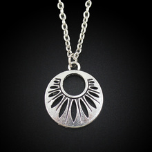 Women's Jewelry Vintage Silver Tone 0.8″X0.8″ Round Hollow Out Pendant Short Necklace DY235 Free Shipping