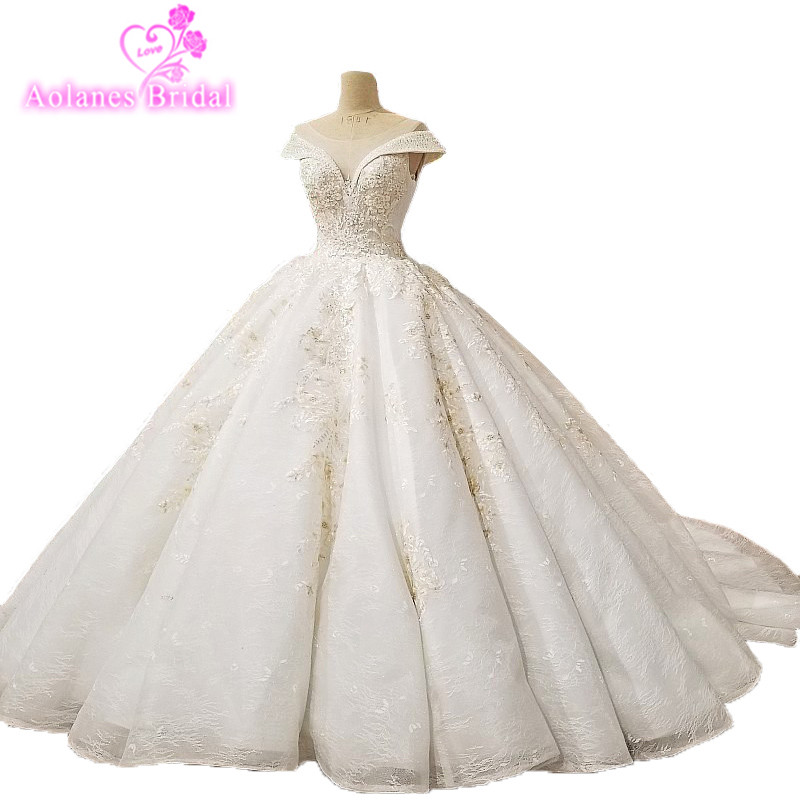 2018 New Arrival Champagne Lace Wedding Dress V-neck Cathedral Train Backless Ball Gown PrincessVintage Wedding Dresses Jurken