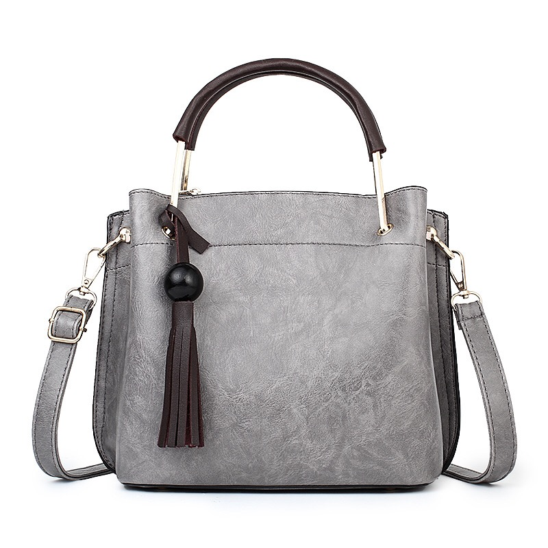 2017 Women Bag Fashion Handbag For Women Ladies New Shell PU Leather Bag With Tassel Women