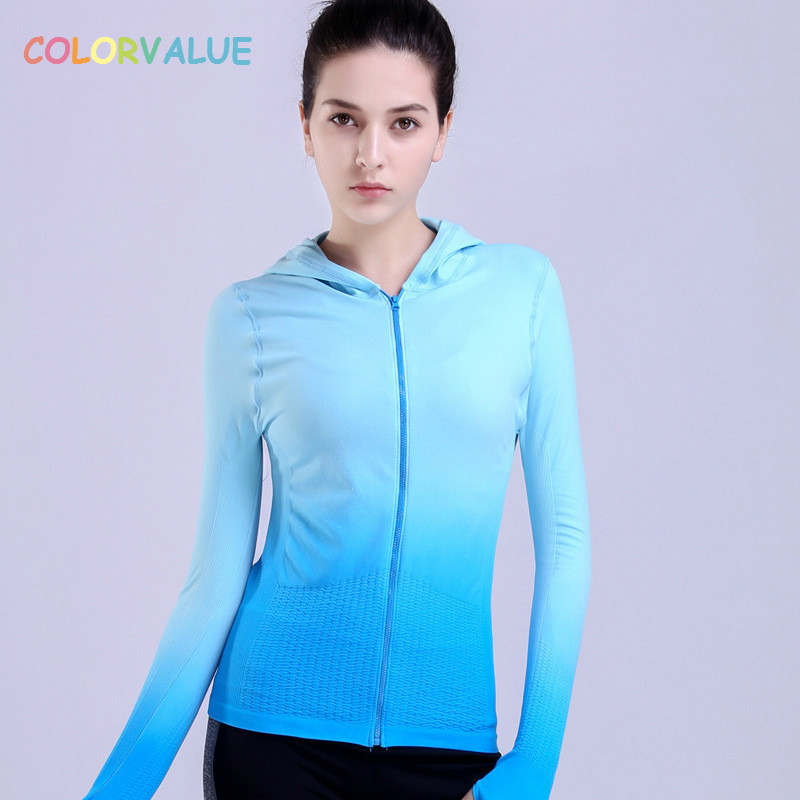 Colorvalue Gradient Color Running Jackets Women Anti-sweat Hooded Yoga Fitness Jacket Slim Zipper Sport Jacket with Thumb Holes latest new printed yoga sport jacket women anti sweat nylon running jogger coat elastic fitness jacket top with thumb holes