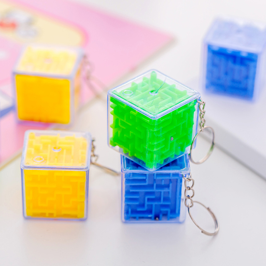 Creative Design Plastic Cube Labyrinth Keychain School Bag Pendant Kids Educational Toys Stress Reliever Keyring Stationery
