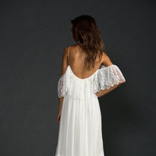 2015 Low Back Lace Beach Wedding Dresse Featuring Thin Straps And Fitted French Bodice Boho Bride vestido de noiva renda