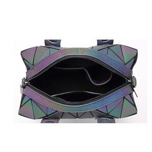 Image 4 - 2019 Fashion Zipper Bao Taschen Frauen Leucht sac Tasche Tote Weibliche Geometrie Schulter Taschen Saser Einfachen Klapp Handtaschen Tasche Bolasa