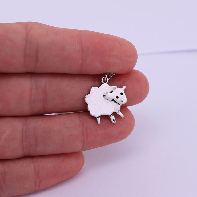 Hzew Cute Litte Sheep...