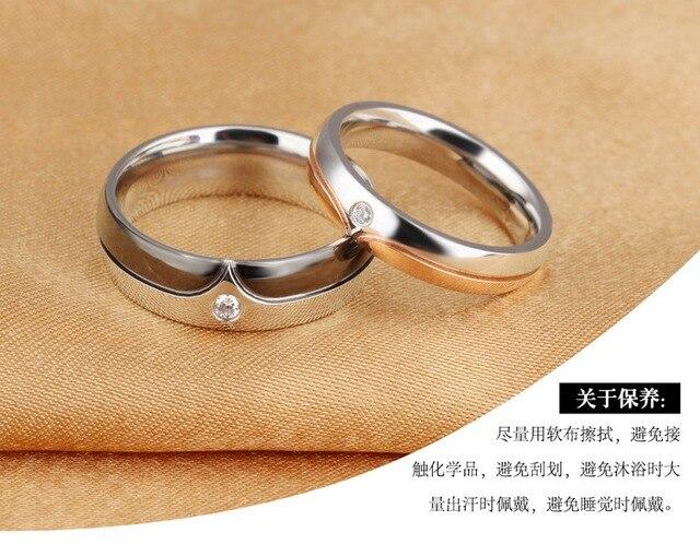 Модное кольцо из титановой стали с микроинкрустацией циркона