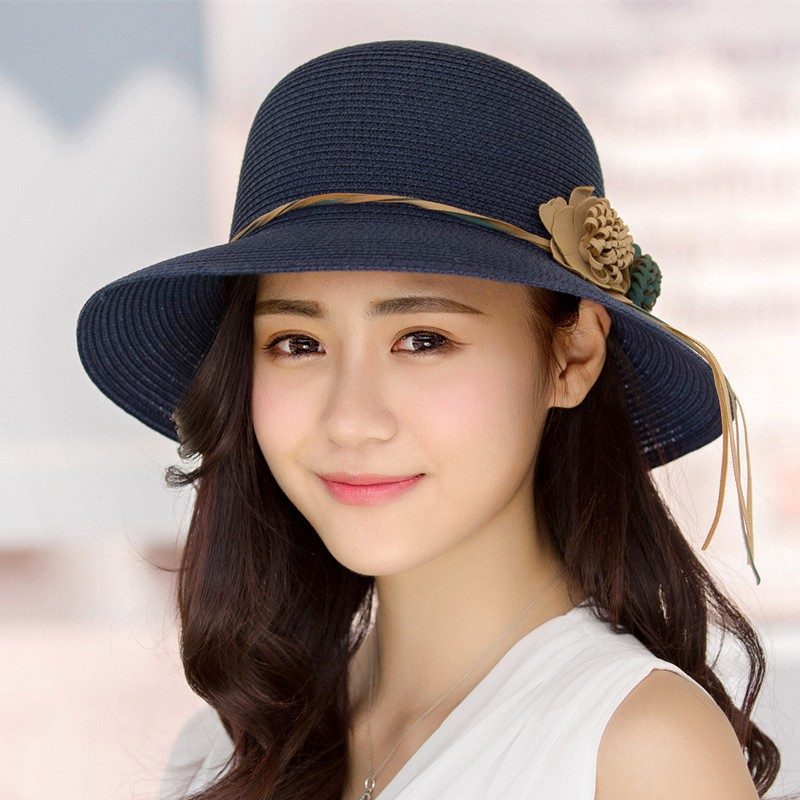 3b5a8a608ab 2018 New Female Summer Beach Hat Sun Hats Travel Cap Ladies Wild Big Hat  Flower Lace