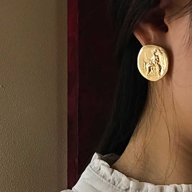 SRCOI Vintage Disco Coin Minimalist Earrings Stud Round Metal Zinc Alloy Geometric Circle Retro Engraved Jewelry Wholesale 2018