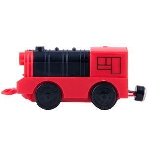 Image 4 - Połączenie magnetycznego elektrycznego pociągu lokomotywy drewniane akcesoria torowe kompatybilne z BRIO i główną marką kolei torowej