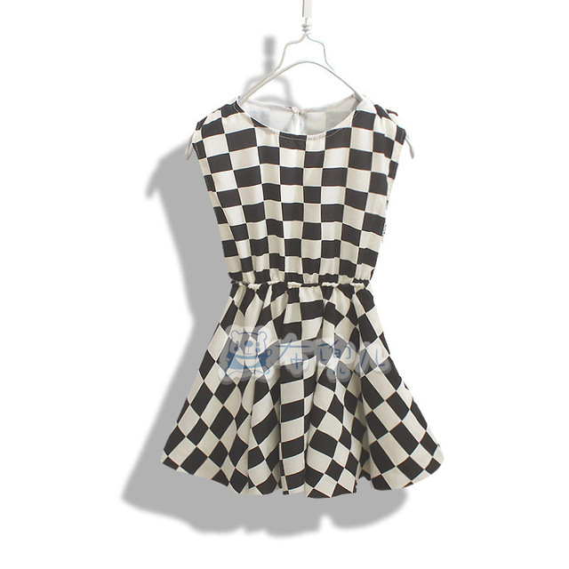 Chase board black and white dress