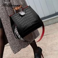 Luxury Crocodile Women Handbag Snakeskin Wide Shoulder Strap Bucket Bag Designer Shoulder Bag Buckle High Capacity Totes 2020