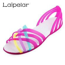 цена на Women Sandals 2018 Hot Summer New Candy Color Women Shoes Peep Toe Stappy Beach Valentine Rainbow Croc Jelly Shoes Woman Flats