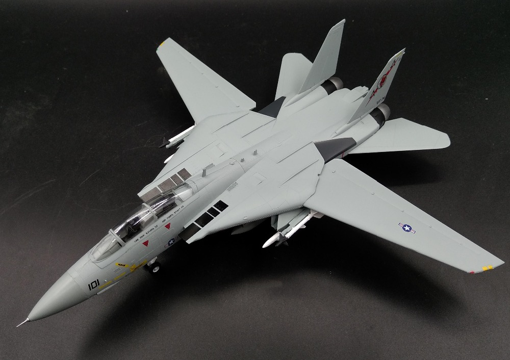 <font><b>Trumpet</b></font> <font><b>1</b></font><font><b>:</b></font><font><b>72</b></font> US Navy F-14B male cat fighter VF74 devil squadron 37187 finished product model image