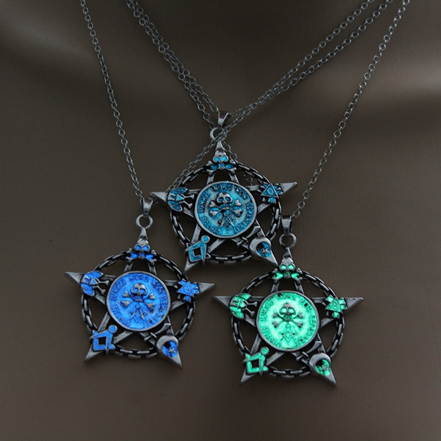 Luminous Star Skull Pendant Necklace9