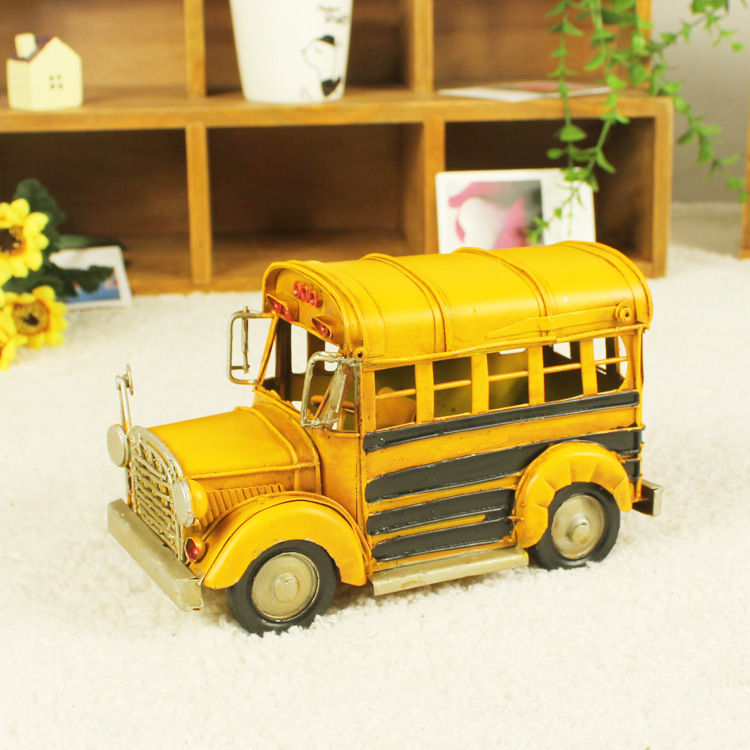 Vintage home decoration iron metal craft small size bus model Hand Made Birthday gift colors random free shipping
