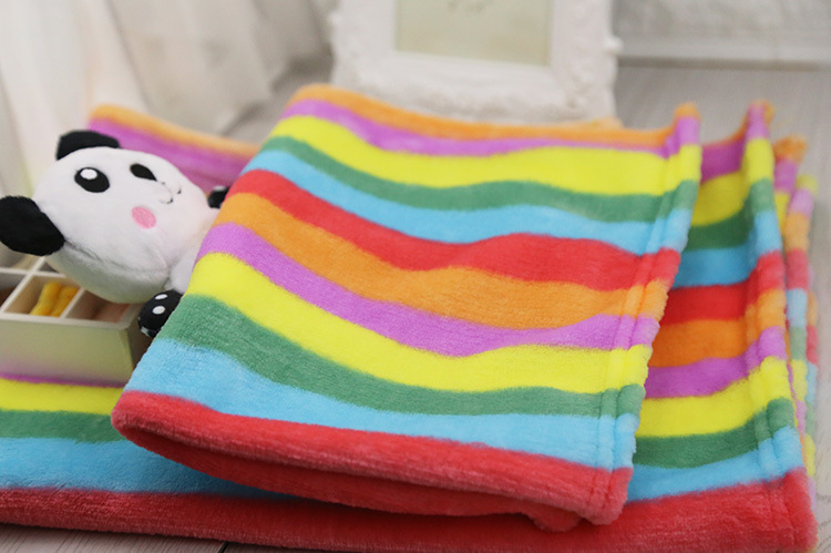 2018 Winter Dog Blanket Fleece Warm Soft Touch Rainbow Color 2 Size S M Dog Blanket Quilt Decoration Pets Supplier Free Shipping