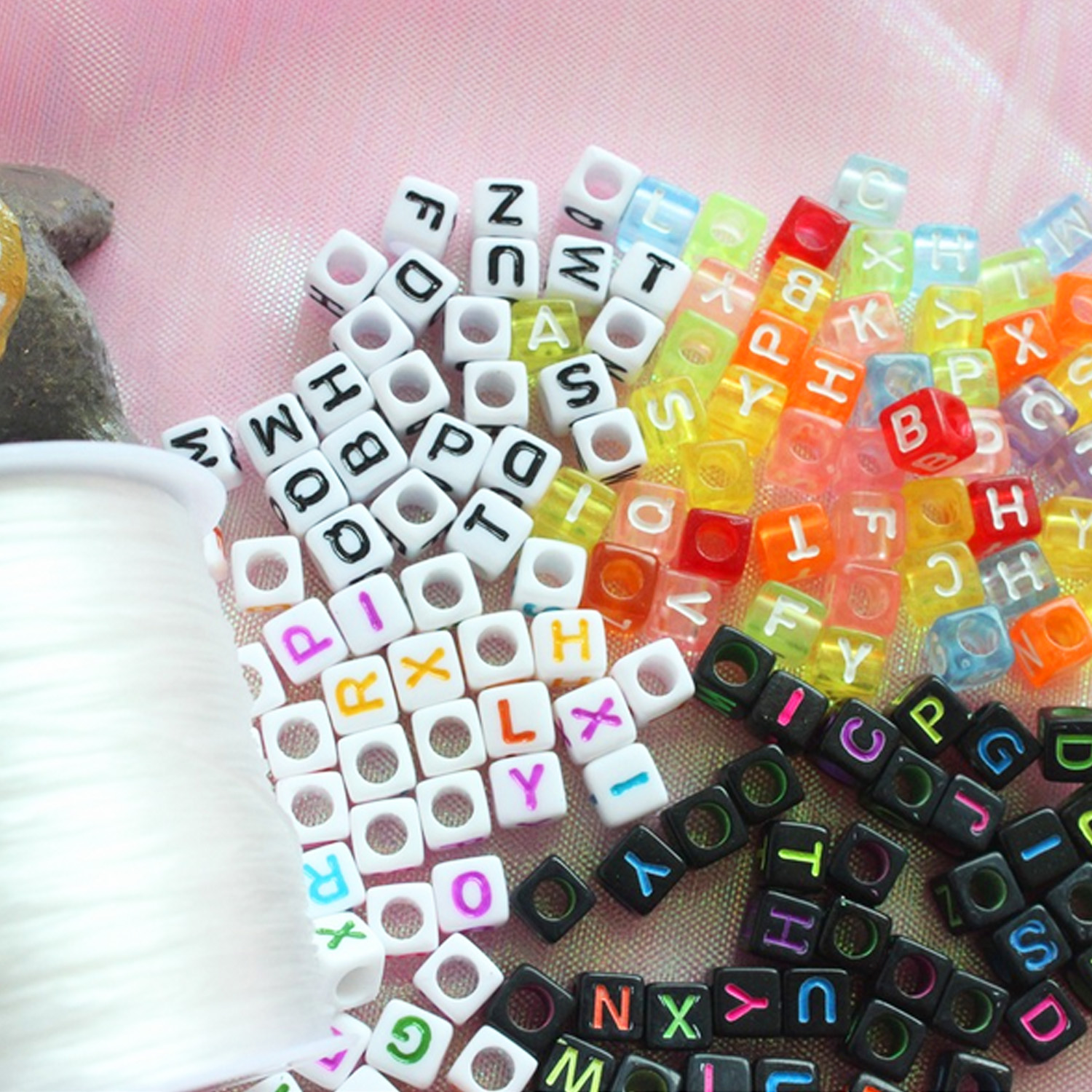 800PCS 6mm 4Colors Square Cube Alphabet/ Letter Acrylic Loose Beads Toy For Kid Girls DIY Craft Make Bracelets Necklaces Jewelry