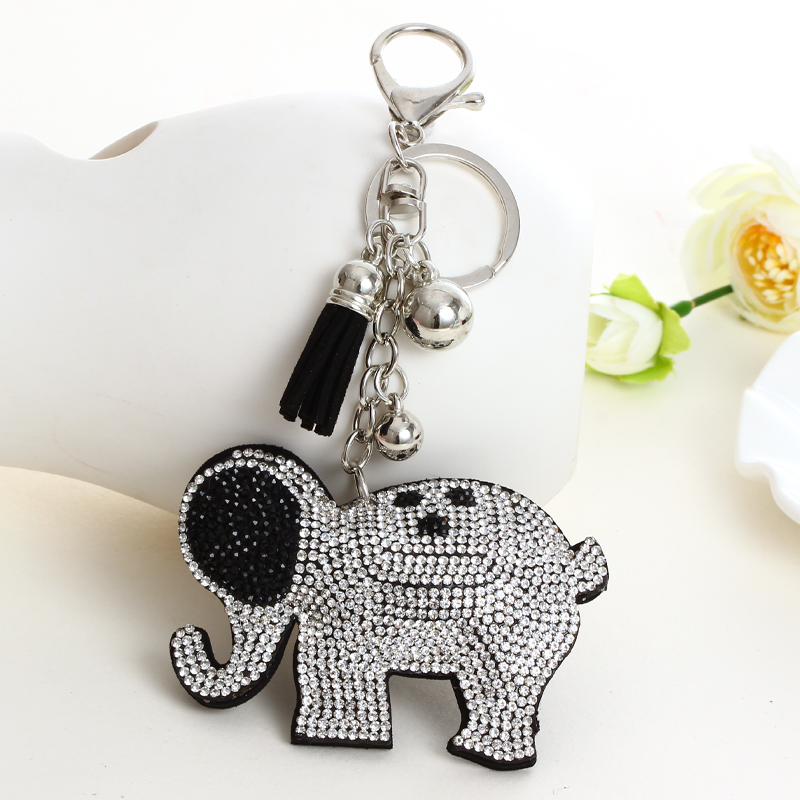 2019 Silver  good quality wholesale new fashion charm key chain pendant rhinestone Elephant leather keychain accessories