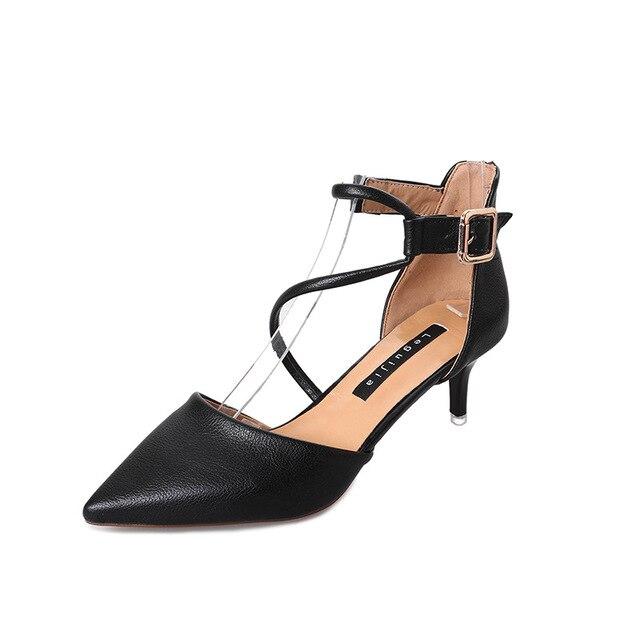 Pointu Creux 2019 Femmes Croisées Version La Baotou Coréenne Chaussures Sangles Nouvelle 3 1 Simples De 2 Sauvage x77rpSYqw