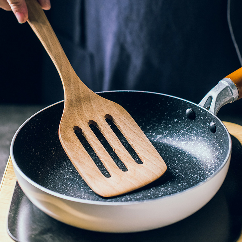 1Pc Kitchen Turner Spatula Wooden Slotted Turner Long Handle Egg Pancake Turner Shovel Nonstick Cooking Tools Wooden Utensils