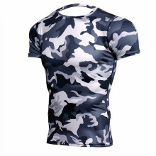лучшая цена Camouflage Short Sleeve T-shirt Mens Running Compression Sport Shirt Men Dry Fit Breathable Rashgard Man Gym Fitness Tights MMA