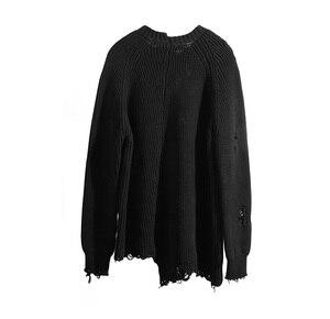 Image 4 - Mùa thu đông nam rách lỗ Miếng dán cường lực quá khổ Áo len dệt kim không đều thiết kế hip hop Punk đan nữ Vintage chui đầu