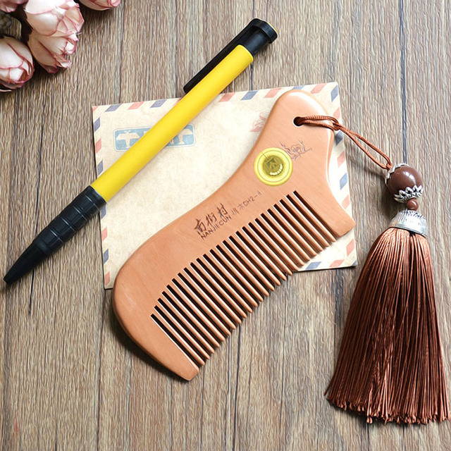 Party Favors Natural Peach Wood Mini Comb with tassel Close Teeth Head Massage Hair Care Tools Hairbrush Hairdressing Accessory 2