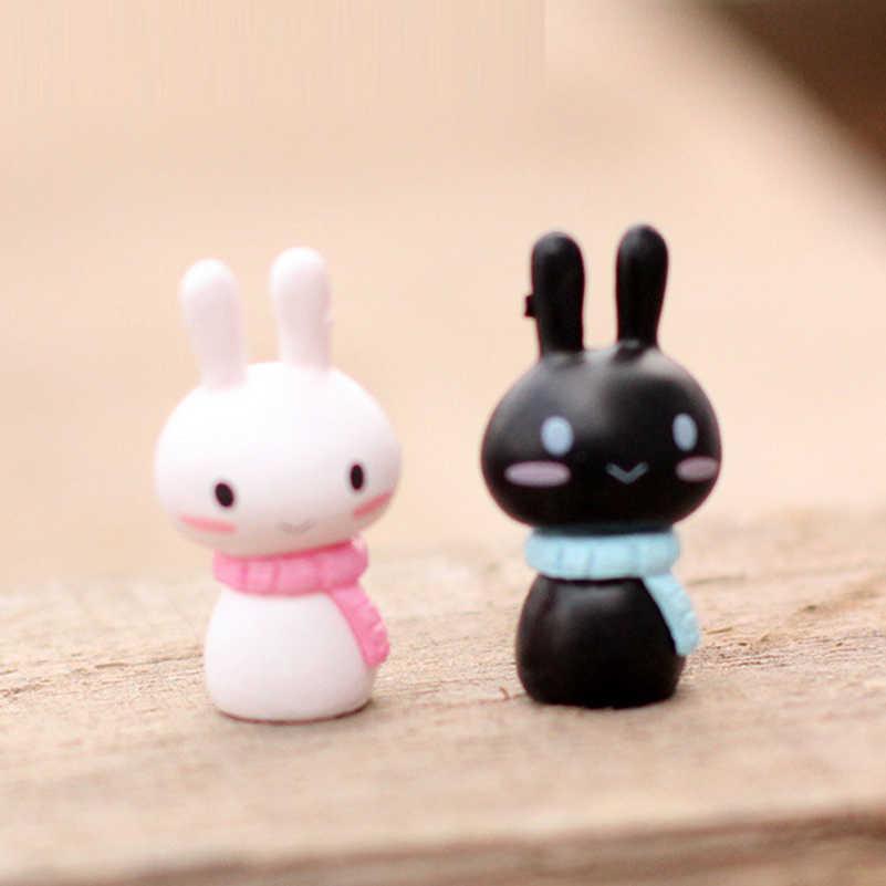10 pçs/lote Resina Mini Brinquedos Coelho Bonito Dos Desenhos Animados Coelhos Casal Coletivo Animal Action Figure Modelo Brinquedos de Decoração para o Presente