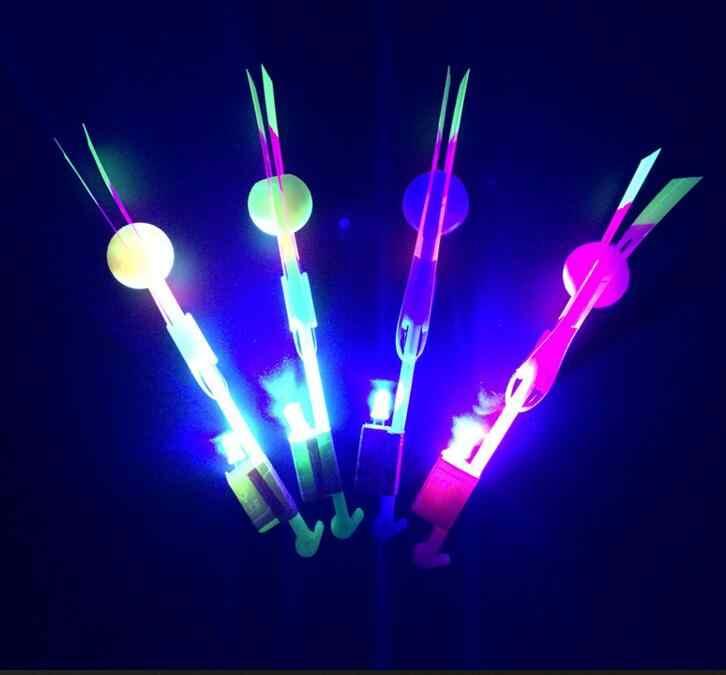 100 adet/grup veya 50 adet ışık ok uçan oyuncak led ışık flaş oyuncaklar parti eğlenceli hediye lastik bant mancınık