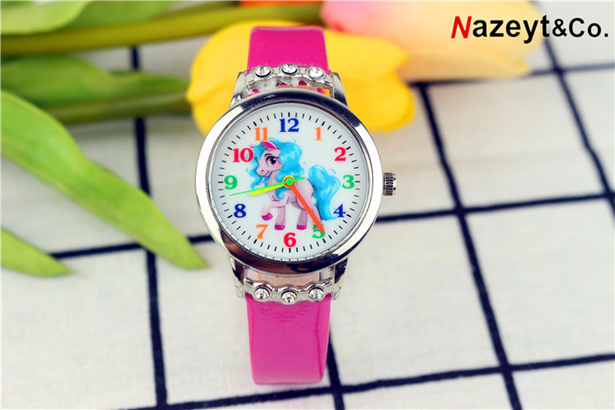 A Popular Children's Cartoon Unicorn Diamond Watch Girl Students Strap Watch Gift Watch