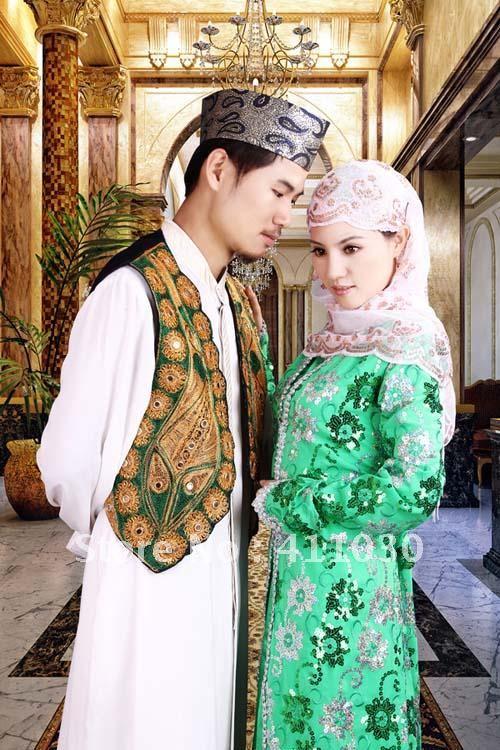 Free Shipping Custom Design Muslim Bride And Groom Wedding Dresses New Fashion Green Suquined Sheath Long Sleeve Satin Sale In Wedding Dresses From Weddings