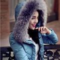 2015 Prendas de Vestir Exteriores Delgada Chaqueta de Invierno de Las Mujeres Caliente Abajo Parkas invierno Mujeres de la Capa de Pato Blanco Abajo cuello de piel Grande DX122
