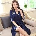 Мягкие удобные сексуальные цветочные длинный халат набор кружева v-образным вырезом половина рукав 3 цвета ночной рубашке белье набор дамы Сна и Lounge носить