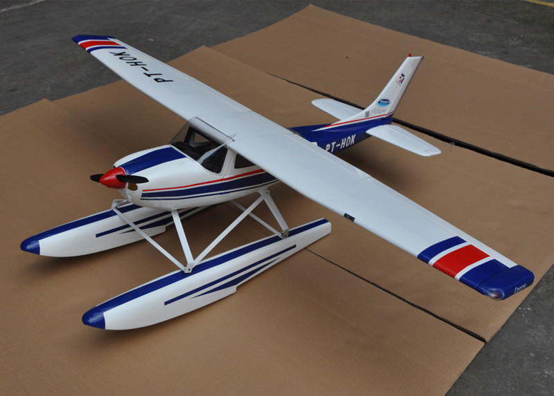 Cessna 182 1720MM Wingspan Blue With Flap LED Balsa Wood RC Airplane Model Aircraft все цены