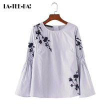 LaTeeDa!13 2017 New Embroidery Blouses Women Floral Shirts Lady Fashion Female Flare O- Neck Club Pullovers Top Loose Vestidos