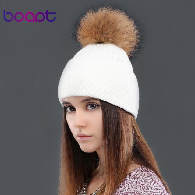 BOAPT knited cap cashmere macio natural genuíno real pele de guaxinim pom pom skullies caps chapéus de inverno chapéu feminino das mulheres gorros