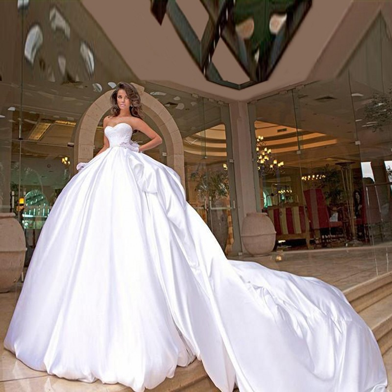 d5857e69ec US $183.92 12% OFF|2016 High Quality Sweetheart Satin Wedding Dress Big  Cathedral Train Bridal Gowns Elbise Abaya White Ball Gown Wedding  Dresses-in ...