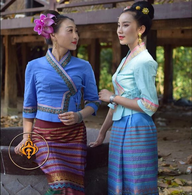 South East Asia Ethnic Dai Princess Dress Women Sprinkler Festival Suits Dai Traditional Clothing Summer Half Sleeve Top + Skirt 1
