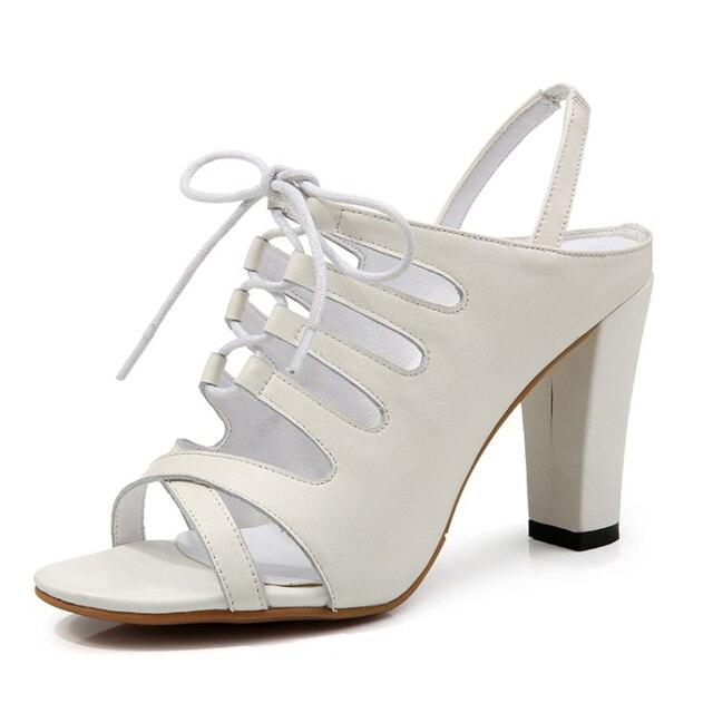promo code 13abd ea32b Nuovo Arrivo In Pelle Pieno fiore delle Donne Cross legato sandali bianchi  Estate 2017 signore Moda scarpe tacchi alti per Formato delle donne: 34 42  ...