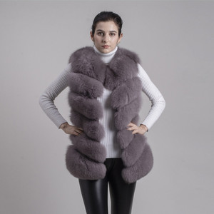 Image 4 - QIUCHEN PJ8049 2020 New arrival Hot Sale real Fox Fur Vest Authentic Fashion Perfect With High Heels Quality Solid