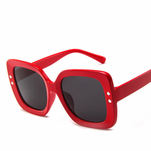2019 Oversized Sunglasses Women Retro Sunglasses Shades for Lady Pink Fashion Vintage Luxury Brand Design Big Frame 3D Cut Frame