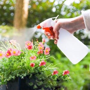 Image 2 - ISHOWTIENDA 500 ML Portatile di Colore Solido Fiore Pianta Mano Trigger Acqua Nebulizzata Vasi di Plastica 25*10*10 centimetri portatile Strumenti di Uso Domestico