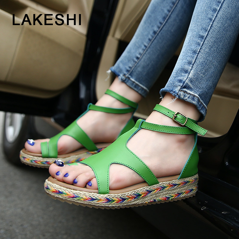 цена LAKESHI Women Sandals Fashion Straw Shoes Woman Summer Wedges Sandals Ankle Strap Casual Ladies Flat Sandals