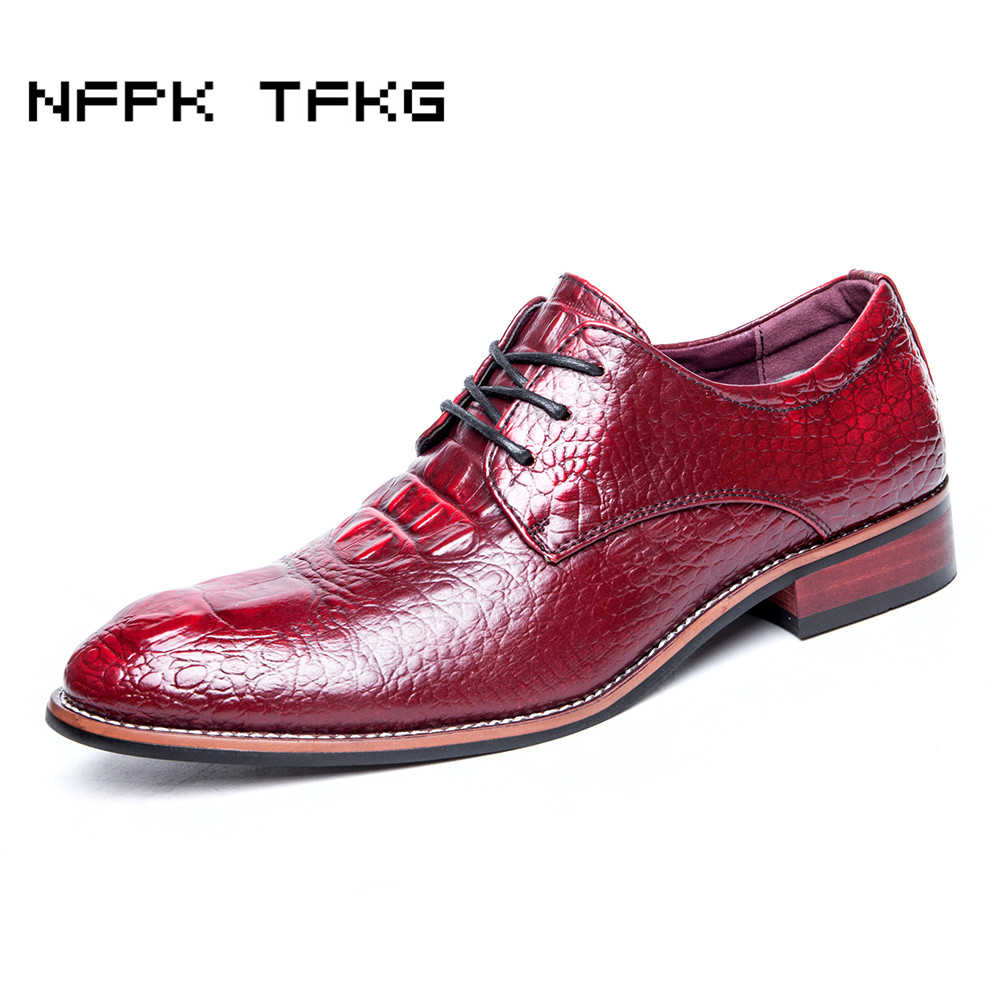 England fashion men business wedding formal dress crocodile pattern genuine leather brogue shoes lace-up flats oxford shoe male top quality crocodile grain black oxfords mens dress shoes genuine leather business shoes mens formal wedding shoes