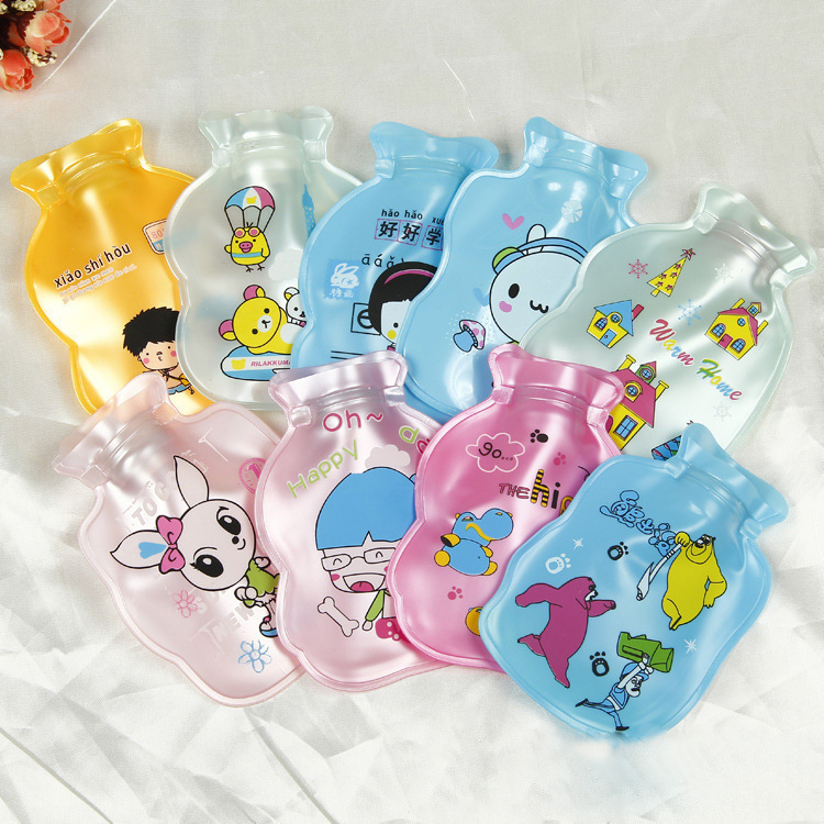 2017 NEW  Bottle Shape Cartoon Printed Pearl Light PVC Explosion-proof Hot Water Bag Hand Warmer Storage Water Bag Random Ship 2016 latest explosion proof electric hot water bottle charging warm bao bao shuang electric double plush6002